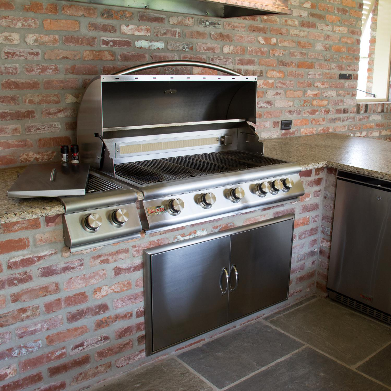 Blaze 40 Inch 5 Burner Built In Natural Gas Grill With