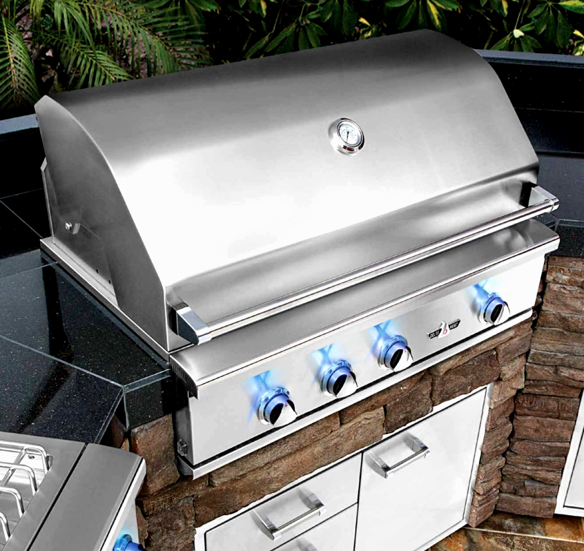 Interior Lights With Hood Activated Light Switch For Nighttime Grilling.  Exclusive Control Illumination Provides A Precise Control Knob Setting
