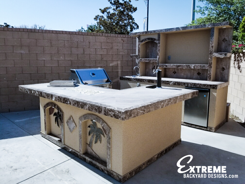 Extreme Backyard Designs Outdoor Kitchens
